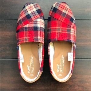 Red Plaid Toms